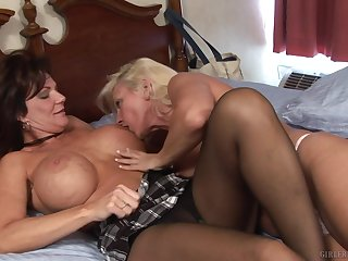 Attracting matures in a creature lesbian cam play in bed