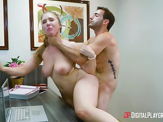 Hot office porn for the extreme man with his female boss
