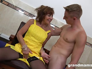 After jerking horseshit off slutty mature bitch with big irritant is fucked from behind