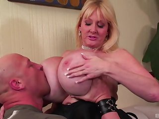 Top mature fucked on get under one's couch and jizzed on her tall boobs