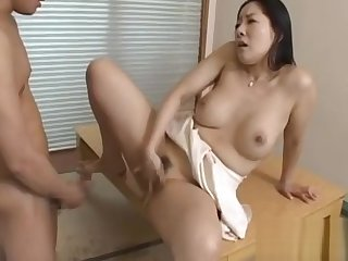 Low-spirited mature gives a nice facesitting and blowjob to the fore fucking