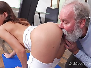 Old step uncle enjoys shagging slutty step niece Mina doing yoga exercises