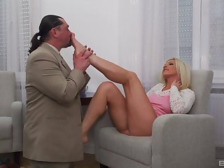 Man with Thoroughbred tail fucks blonde woman waiting for she swallows his juice